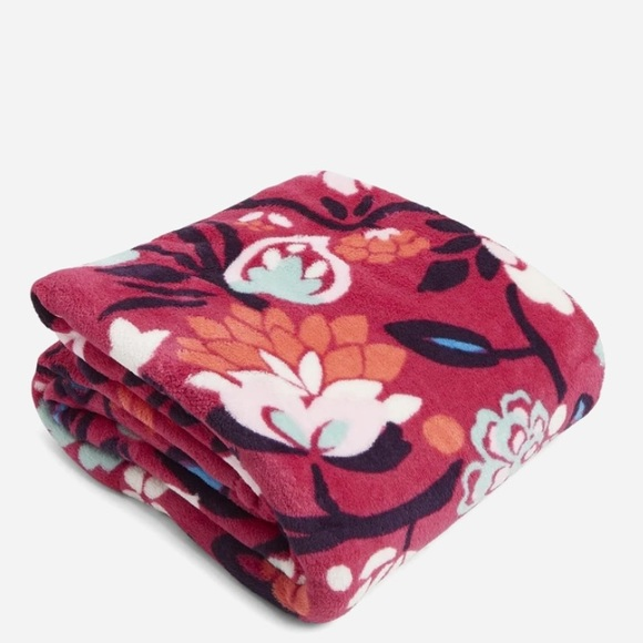 NWT Vera Bradley throw blanket